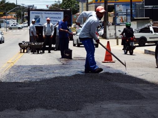 Resultado de imagem para Cidade Alta e Felipe Camarão recebem aplicação de asfalto nesta quinta-feira